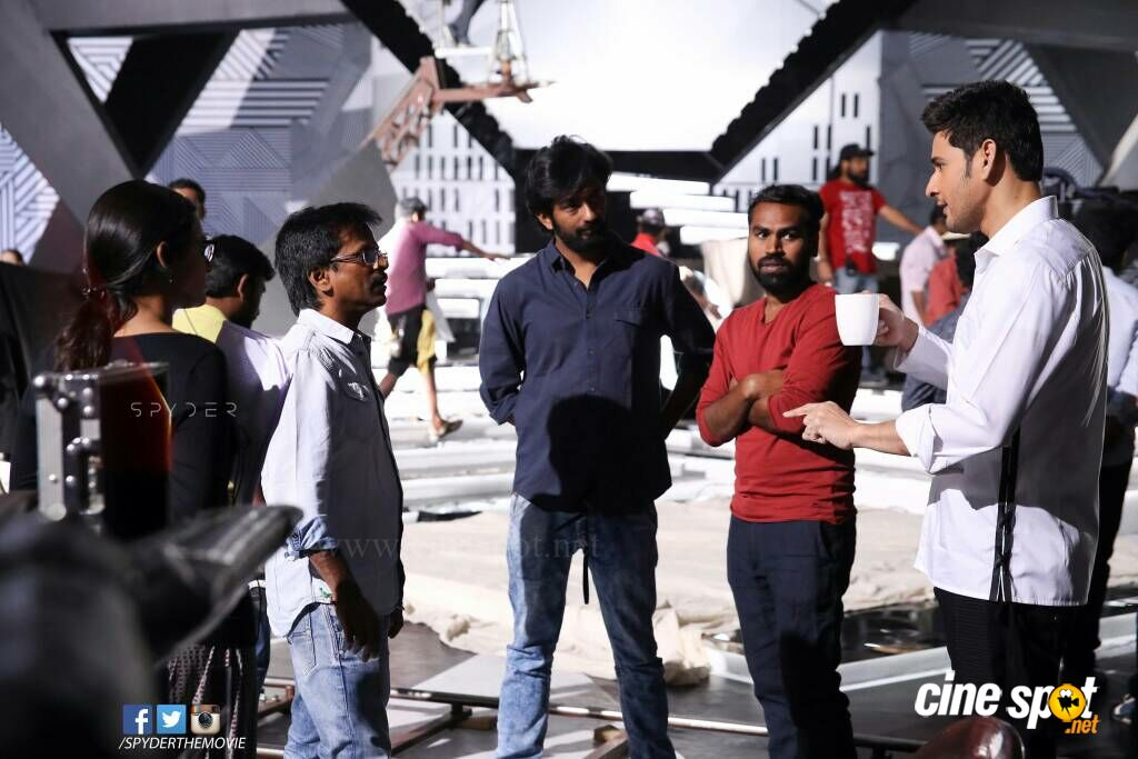 Spyder Movie Working Stills (1)
