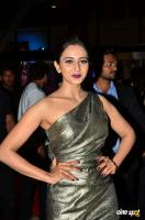 Rakul Preet Singh at Filmfare Awards 2017 (9)
