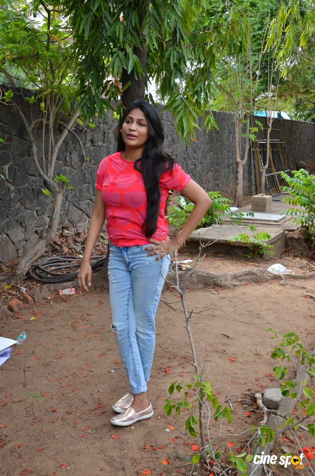 Vijayalakshmi at Pandigai Movie Press Meet (1)