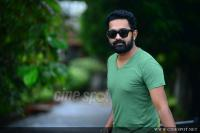 Asif Ali at Thrissivaperoor Kliptham Promo Meet (5)