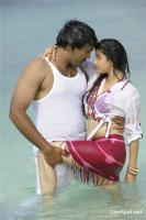 Aa okkadu telgu movie photos (10)