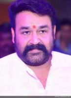 Mohanlal at Munthirivallikal Thalirkkumbol 101 Days Celebration (1)