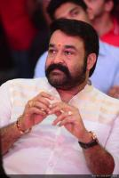 Mohanlal at Munthirivallikal Thalirkkumbol 101 Days Celebration (3)