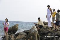 Aa okkadu telgu movie photos (20)