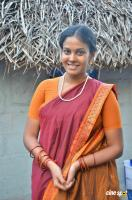 Chandini Tamilarasan at Naan Avalai Sandhitha Pothu Shooting Spot (2)