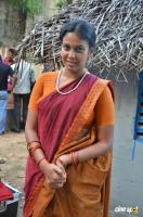 Chandini Tamilarasan at Naan Avalai Sandhitha Pothu Shooting Spot (4)