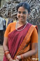 Chandini Tamilarasan at Naan Avalai Sandhitha Pothu Shooting Spot (5)