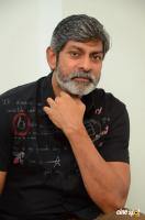 Jagapathi Babu Jaya Janaki Nayaka Interview Photos (4)
