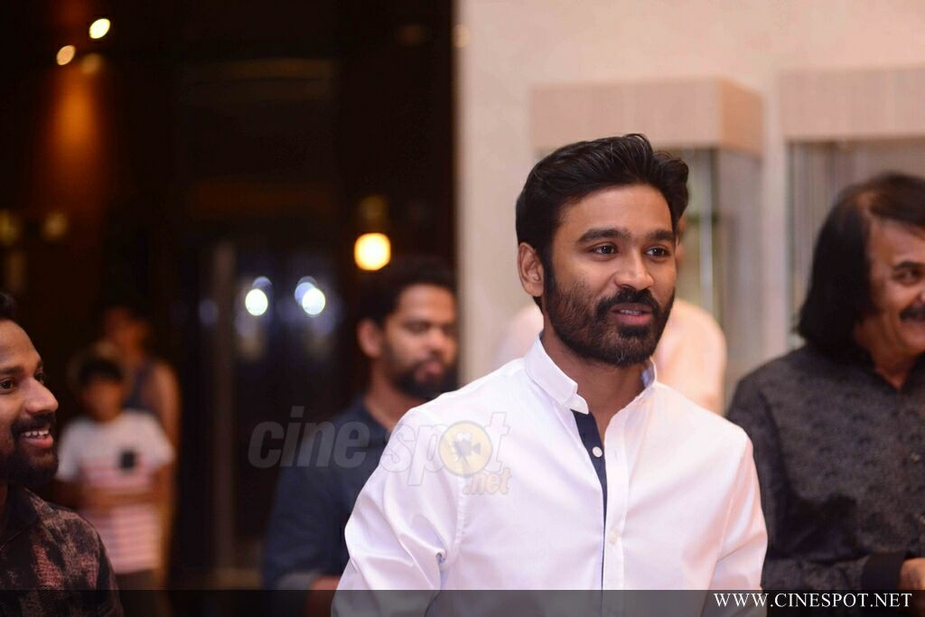 VIP 2 Promotion Event At Oberon Mall (1)