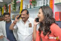 Catherine Tresa Launches B New Mobile Store (15)