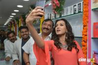 Catherine Tresa Launches B New Mobile Store (16)