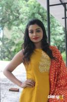 Anisha Xavier at Pichuva Kaththi Team Interview (11)