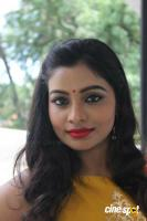 Anisha Xavier at Pichuva Kaththi Team Interview (12)