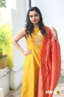 Anisha Xavier at Pichuva Kaththi Team Interview (8)
