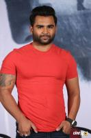 Sachiin J Joshi at Veedevadu Movie Press Meet (4)
