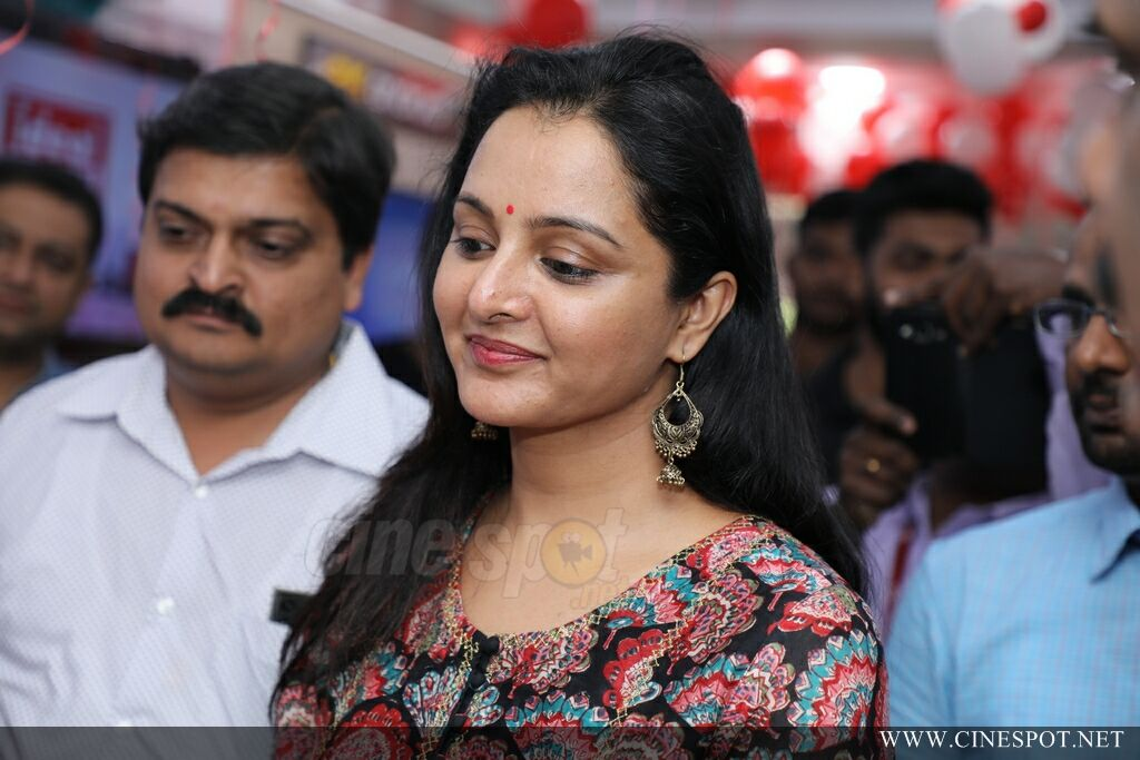 Manju Warrier At Sony Showroom Inauguration (12)