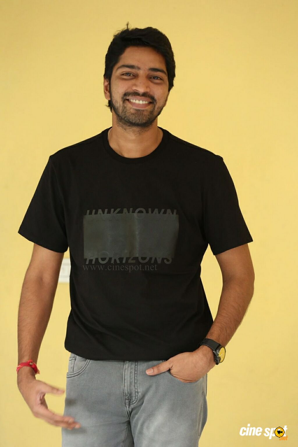 Meda Meeda Abbayi Hero Allari Naresh Interview Photos (6)