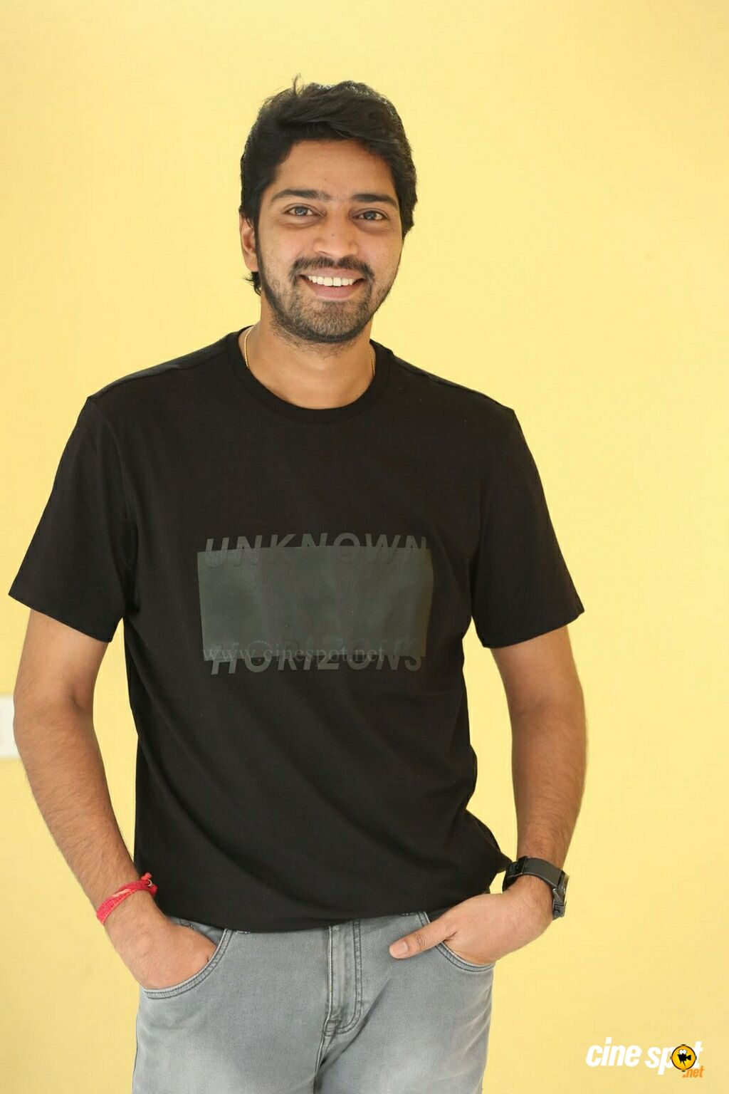 Meda Meeda Abbayi Hero Allari Naresh Interview Photos (8)