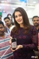 Raashi Khanna Launches Big C Mobile Store (10)