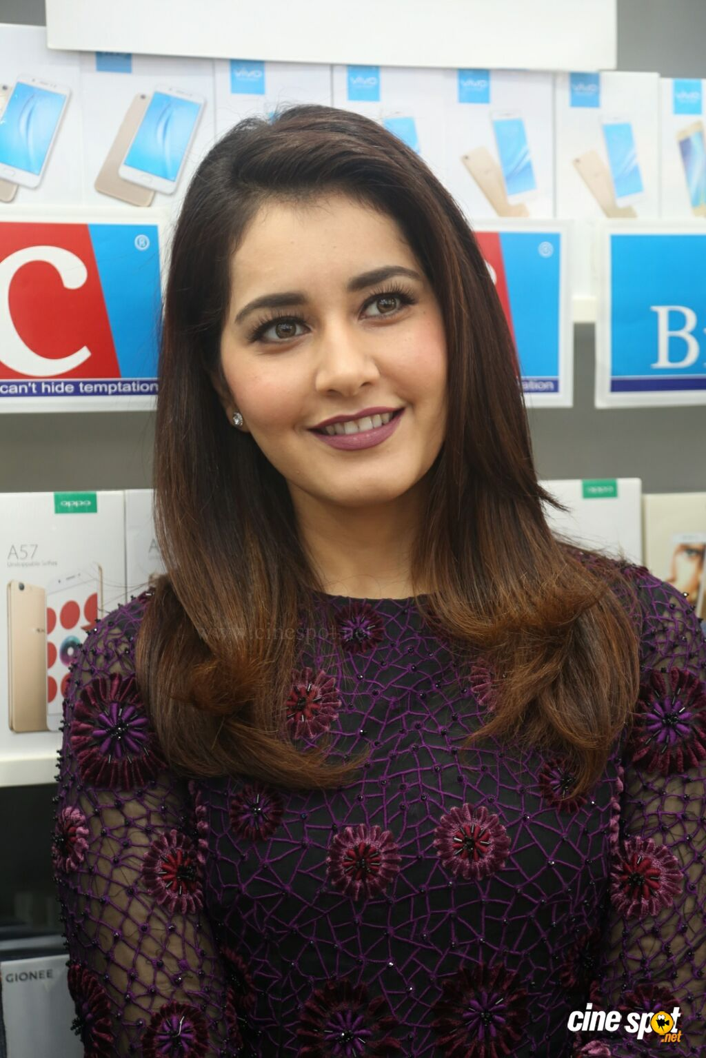 Raashi Khanna Launches Big C Mobile Store (20)