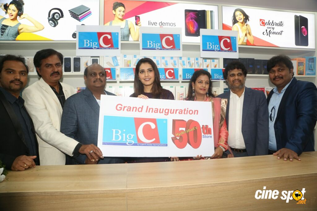 Raashi Khanna Launches Big C Mobile Store (21)