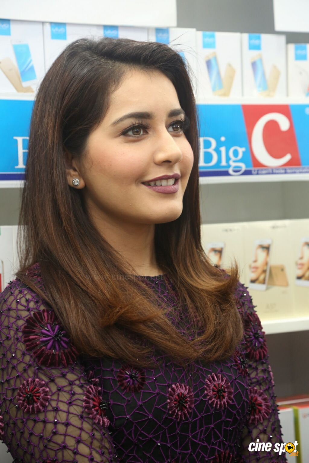 Raashi Khanna Launches Big C Mobile Store (24)