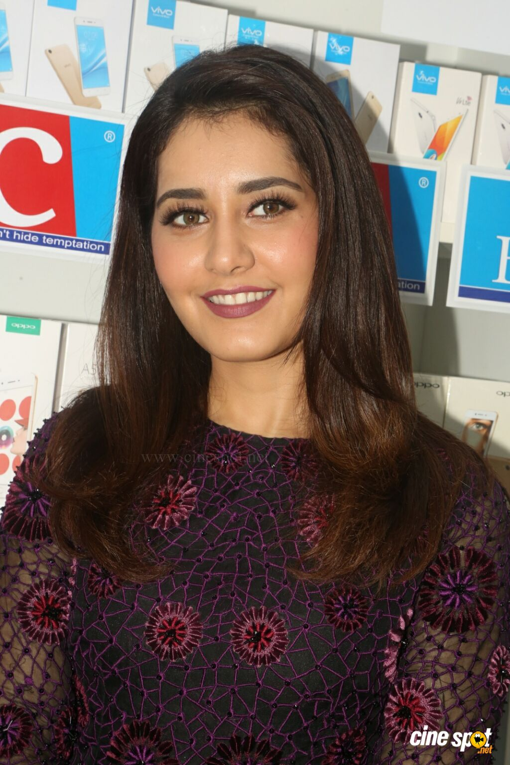 Raashi Khanna Launches Big C Mobile Store (30)