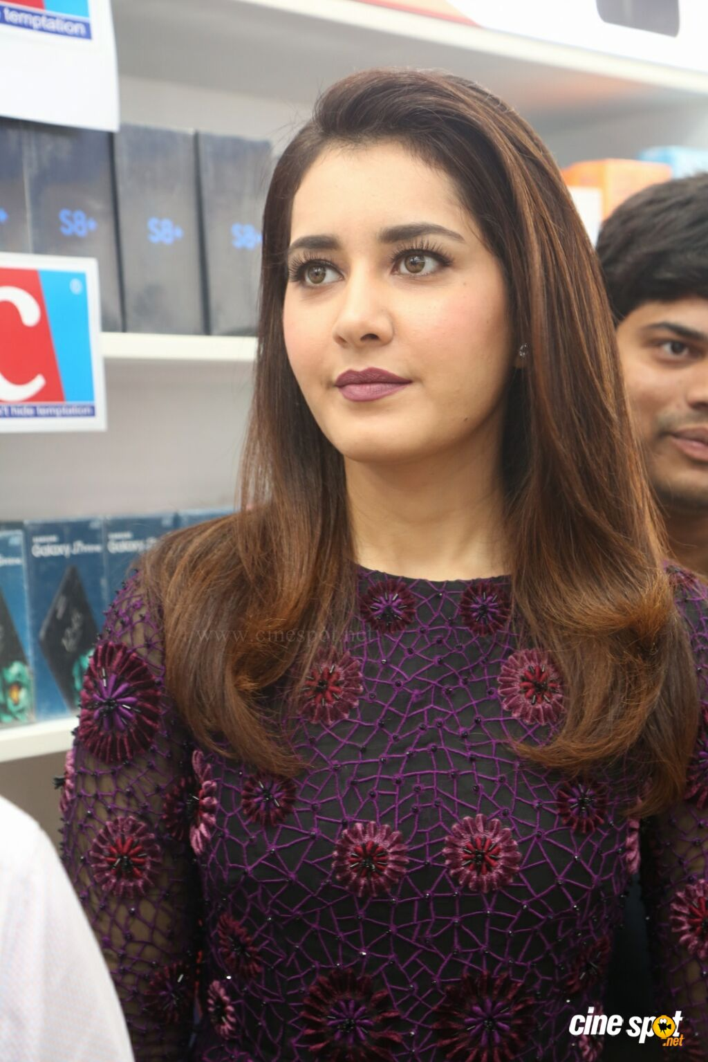 Raashi Khanna Launches Big C Mobile Store (35)