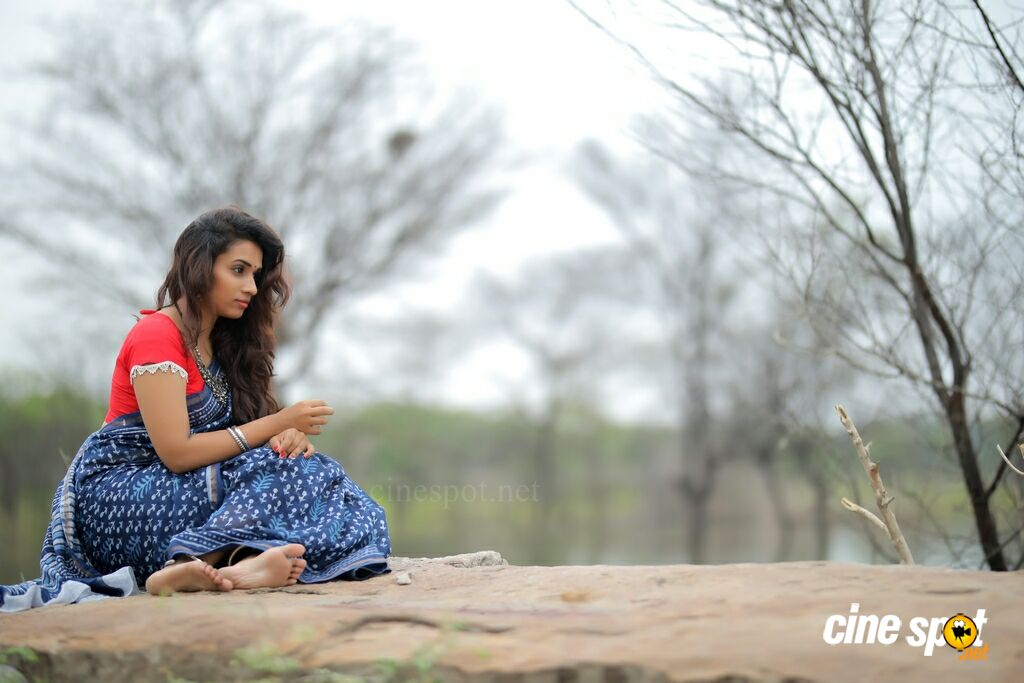 Actress Chetana Uttej Photoshoot (3)