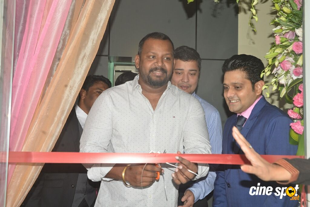 Sam Paul Inaugurates Robustaa Kitchen (1)