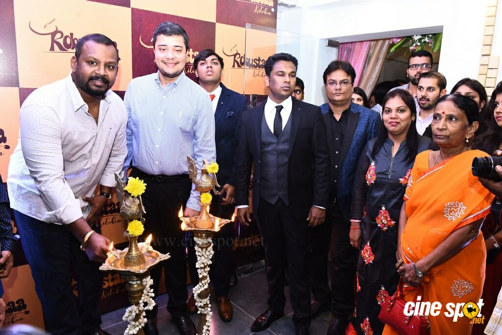 Sam Paul Inaugurates Robustaa Kitchen (7)