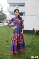 Actress Raashi Khanna Latest Stills (6)
