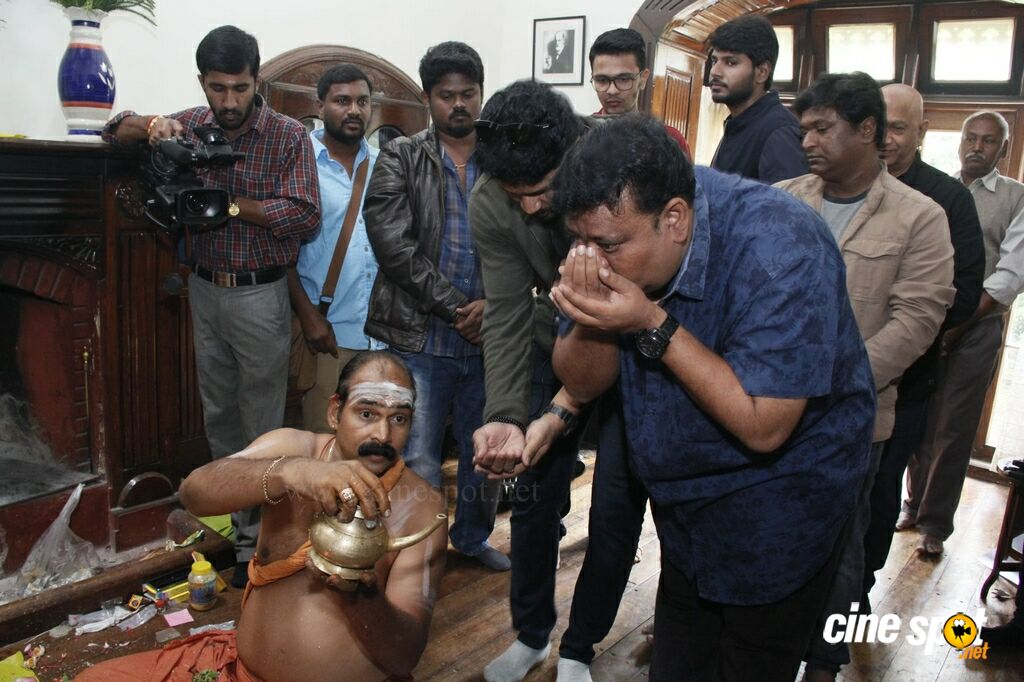 Naragasooran Movie Pooja (17)