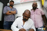 Raghava Lawrence Inaugurated Flamingo Tour & Travels (11)