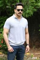 Bharath at Pottu Press Meet (1)
