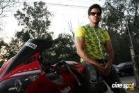 Pottu Movie Hero Bharath (1)