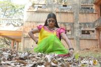 Pottu Actress Iniya (3)