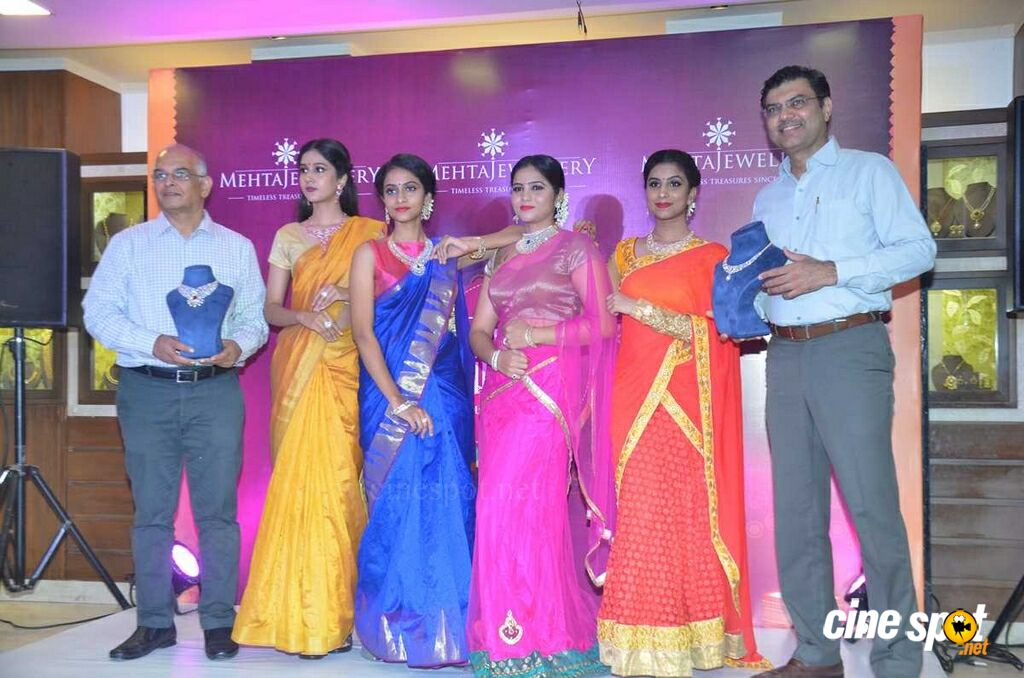 Mehta Jewellery Launches Diwali Bridal Collection (12)
