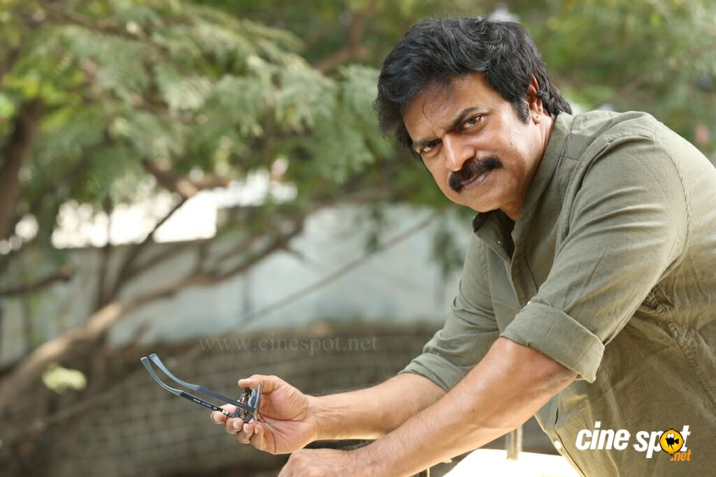 Brahmaji Interview Photos About Next Nuvve (31)