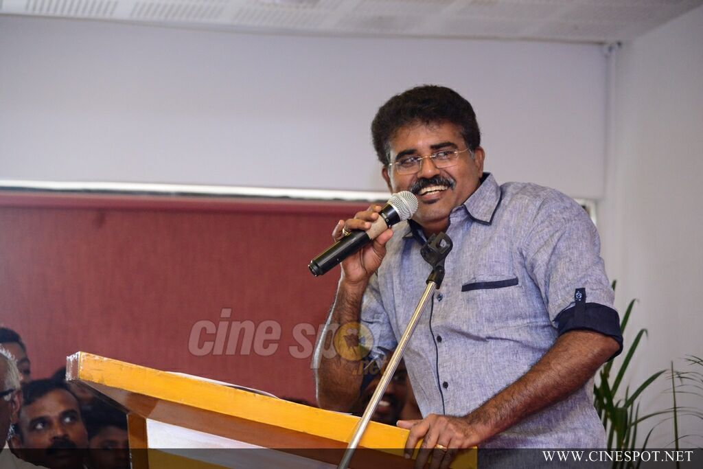 Chalakkudikkaran Changathi Movie Pooja (59)