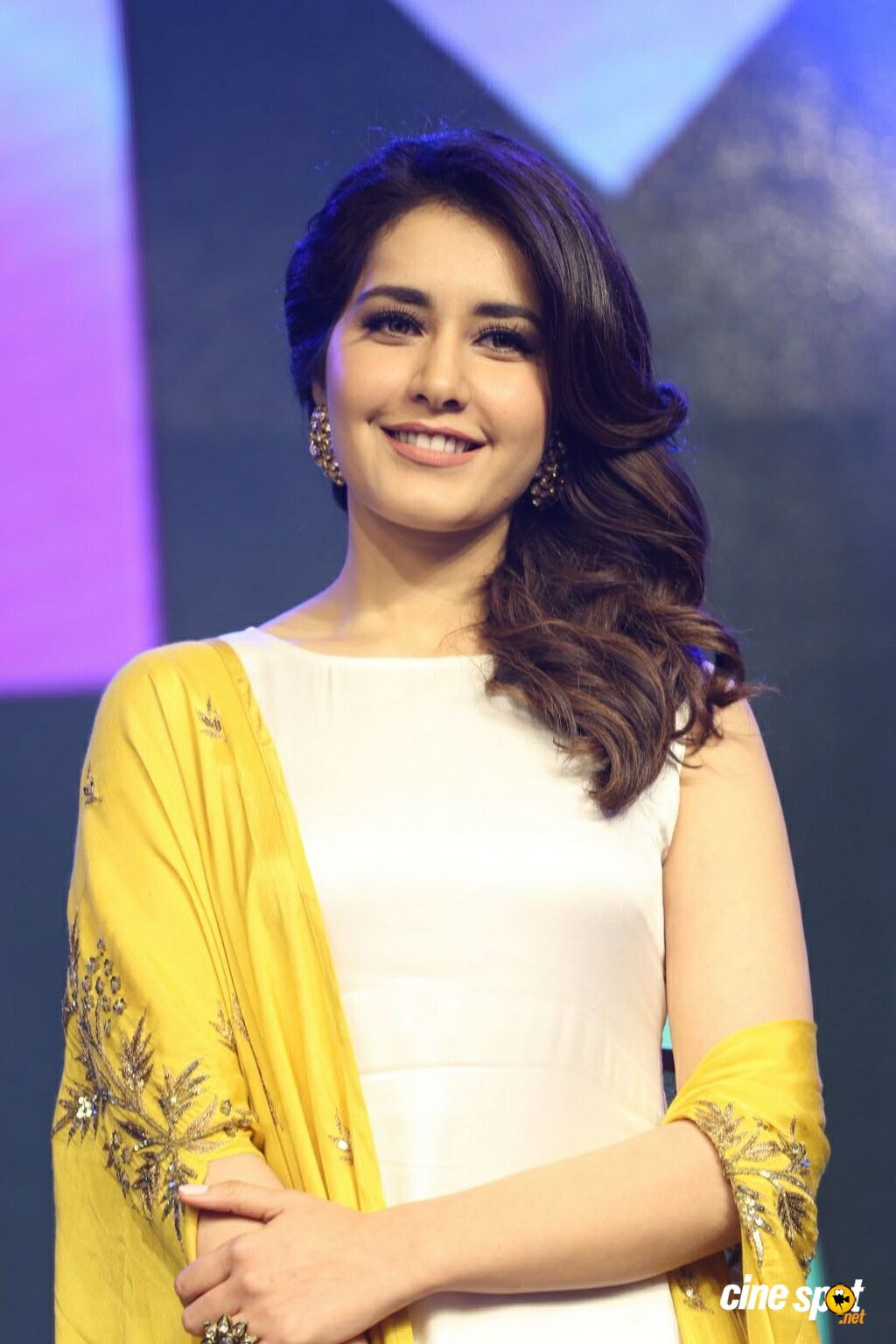 Raashi Khanna at Balakrishnudu Audio Launch (29)