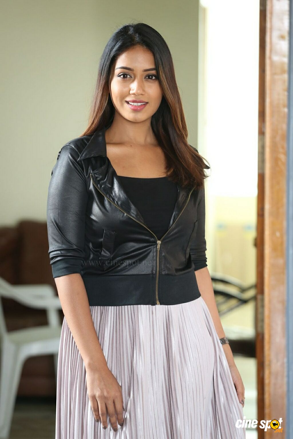 Mental Madhilo Nivetha Pethuraj Interview Photos (16)