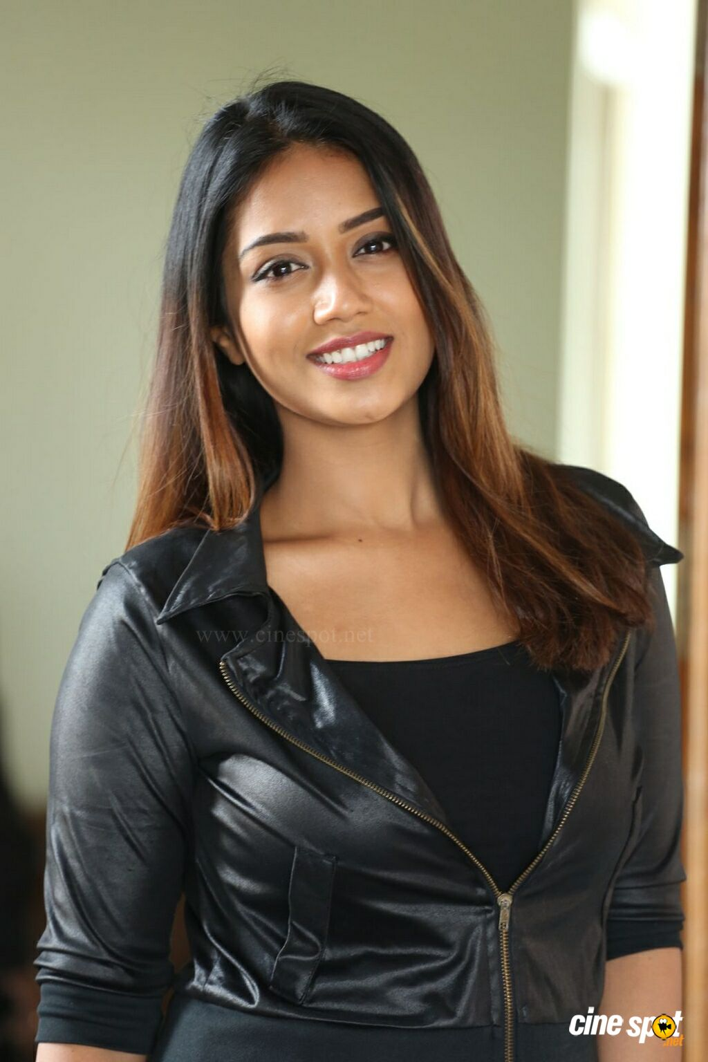 Mental Madhilo Nivetha Pethuraj Interview Photos (20)