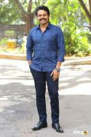Karthi at Khakee Movie Success Meet (5)