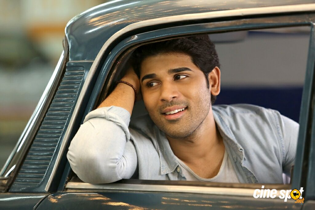 Okka Kshanam Actor Allu Sirish (3)
