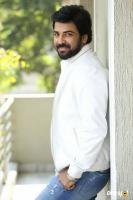 E EE Movie Hero Neeraj Shyam Interview Photos (12)