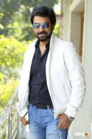 E EE Movie Hero Neeraj Shyam Interview Photos (2)