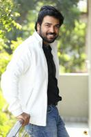 E EE Movie Hero Neeraj Shyam Interview Photos (6)