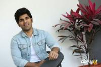 Okka Kshanam Hero Allu Sirish Interview Photos (13)