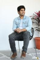 Okka Kshanam Hero Allu Sirish Interview Photos (18)